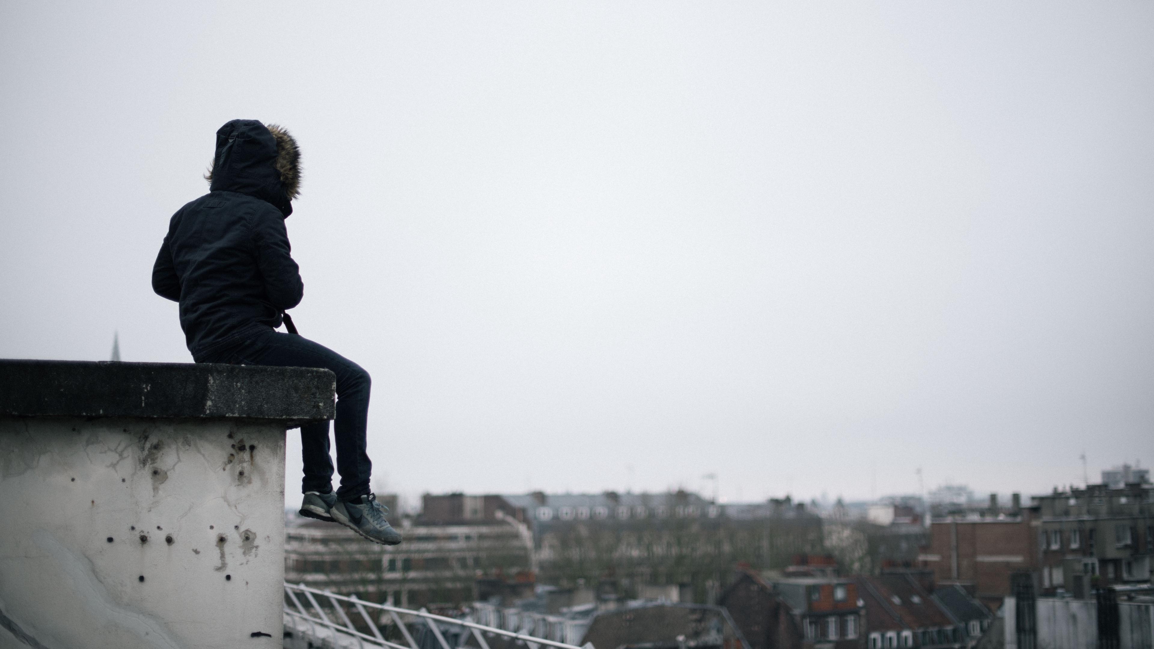 Что делать, если человек делает суицид
